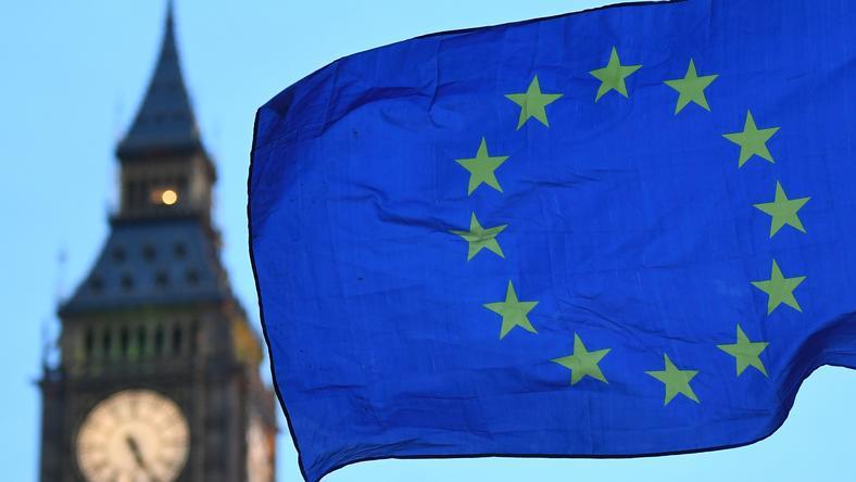 KE zapewnia, że jest gotowa do negocjacji z Wielką Brytanią