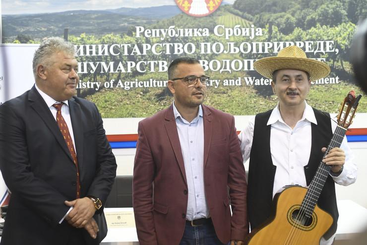 novi sad 446 Branislav Nedimovic Bojan Kekic potpisivanje sporazuma postanska stedionica i ministarsrvo poljoprivrede foto robert getel