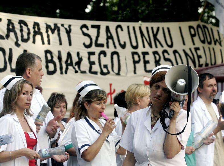 Pielęgniarki grożą strajkiem, jeśli nie dostaną podwyżek