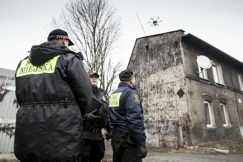 Katowice. Straż miejska wykorzystuje drony do badania spalin z kominów