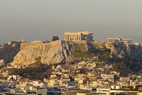 Nakon udara groma, Akropolj zatvoren zbog oluje