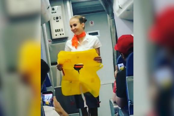 Kod njih zabava ne prestaje: Brazilci naveli rusku stjuardesu da POCRVENI od komplimenata /VIDEO/