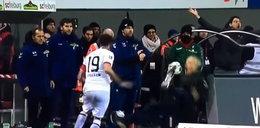 Skandal na boisku piłkarskim. Zaczęło się od ataku na trenera. FILM!
