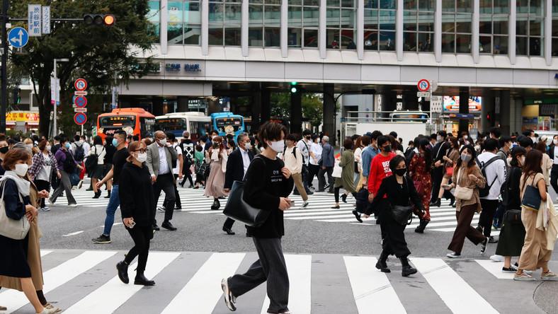 Mieszkańcy Tokio w czasach pandemii