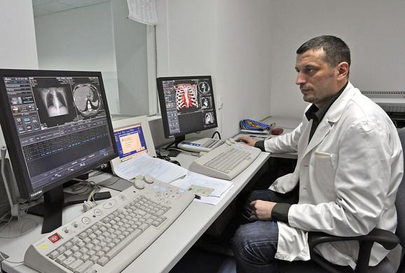 Pored urologije, laser bi trebalo da dobije i neurohirurgija: Dr Zoran Radovanović
