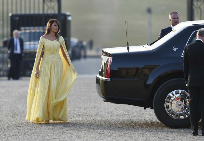 Melanija je blistala u žutom, ali izgleda da je ova haljina samo bleda kopija one Mišeline