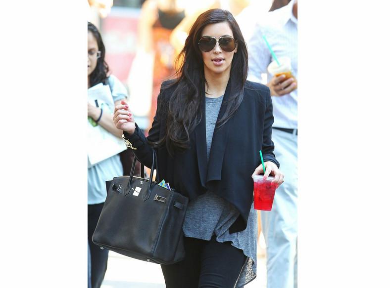 Kim Kardashian nie rozstaje się ze swoją Birkin bag