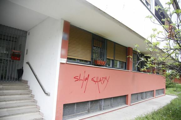Zgrada u kojoj žive roditelji Luke Lazukića