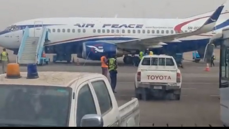 Air Peace evacuates 301 Chinese from Nigeria. [Twitter/@AliGrema]