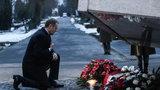 Premier pod pomnikiem ofiar katastrofy