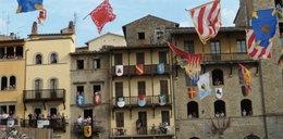 Włoski pokaz chorągwi na Rynku