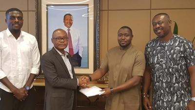 Super Eagles receive N17.9M from Nigerian billionaire businessman Aliko Dangote for goal against Algeria in semi-finals of AFCON 2019