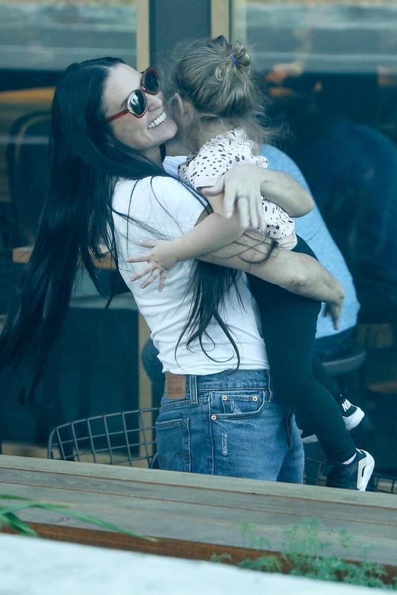 Da li je ovo dokaz da su zajedno: Demi Mur uhvaćena sa Mašom Mandžukom