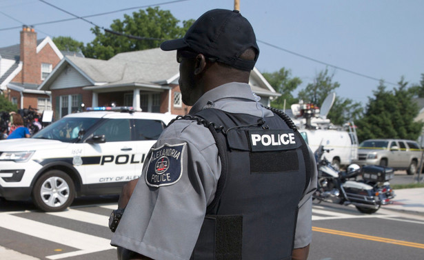 W strzelaninie ranny został 51-letni Steve Scalise, szef dyscypliny partyjnej większości republikańskiej Izby Reprezentantów, oraz cztery inne osoby, w tym dwóch funkcjonariuszy policji Kongresu.