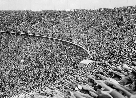 Masovno salutiranje Hitleru:Olimpijada u Berlinu 1936. godine