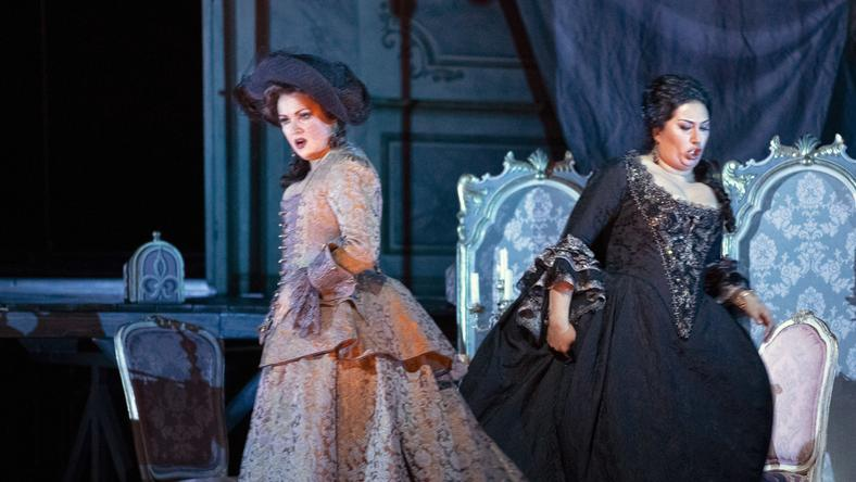 Review Met Operas Adriana Lecouvreur Bristles With Passion