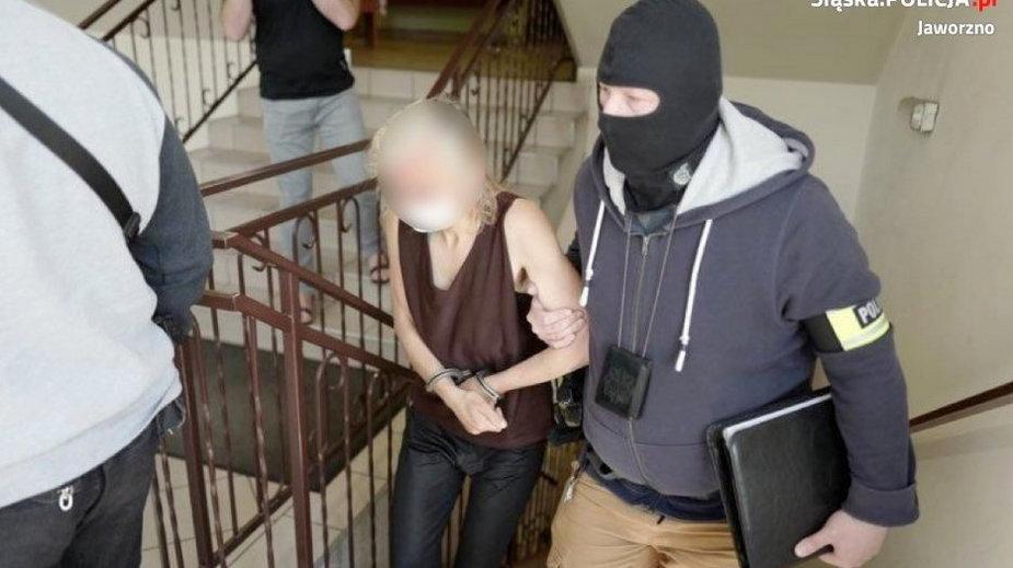 Syn kobiety twierdzi, że o pomoc starał się na policji i w MOPSie