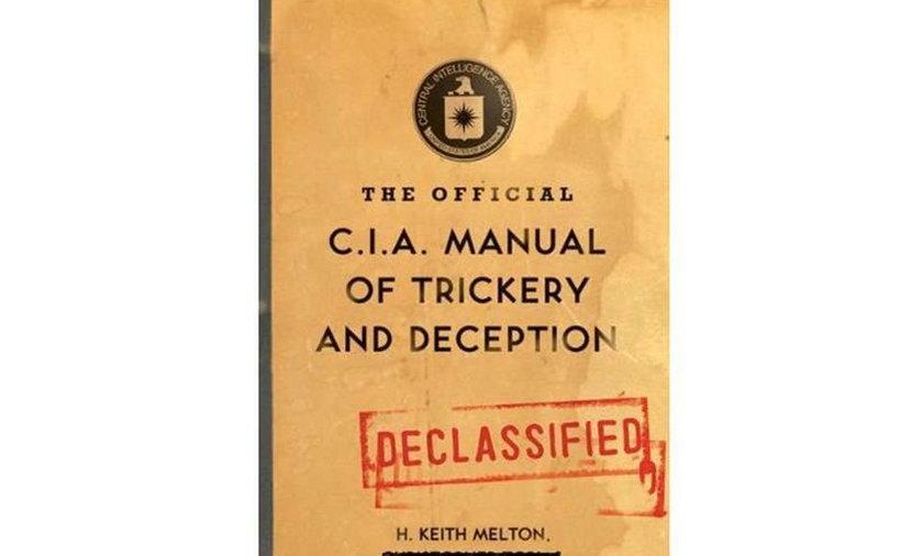 Podręcznik magii dla... CIA