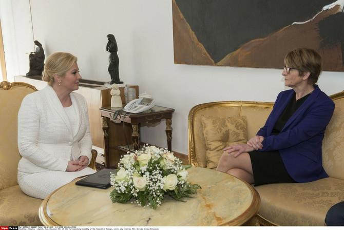 Kolinda sa predsednicom Parlamentarne skupštine Saveta Evrope 2015. u Zagrebu