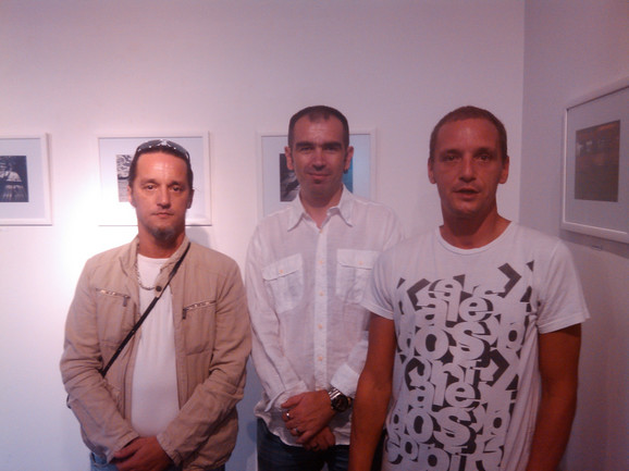 Autori izložbe, Srđan Sladaković (levo), Nenad Vilimanović (sredina) i Mlađan Sladaković (desno)