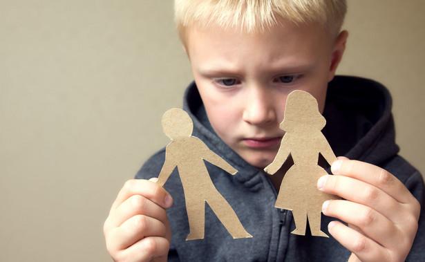 Nie ma obowiązku dołączania wyroku rozwodowego przez wszystkich rodziców, którzy po rozstaniu starają się o 500+