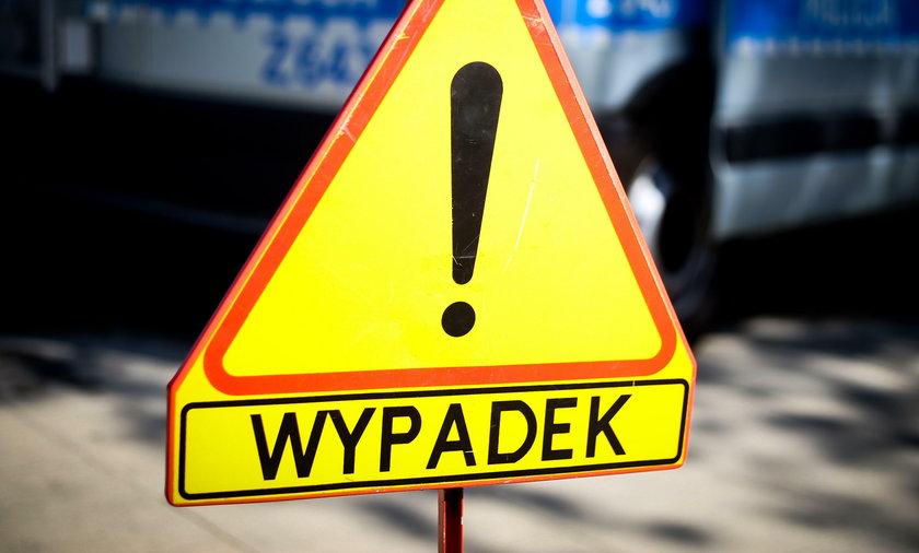 Warszawa: Ford potrącił wózek na pasach. Ranne dziecko