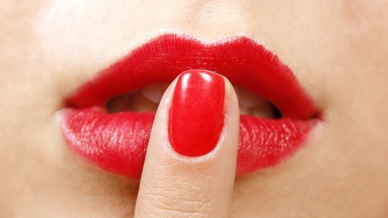Szminka na kryzys? Kobiety wolą lakiery do paznokci
