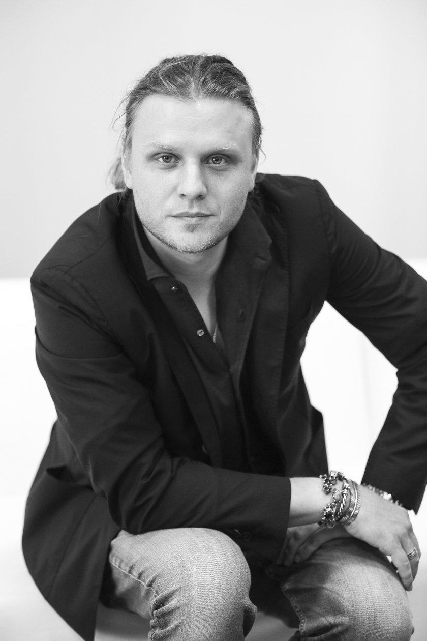 Śmierć Piotra Woźniaka-Staraka. Prokuratura ujawnia czy brał narkotyki