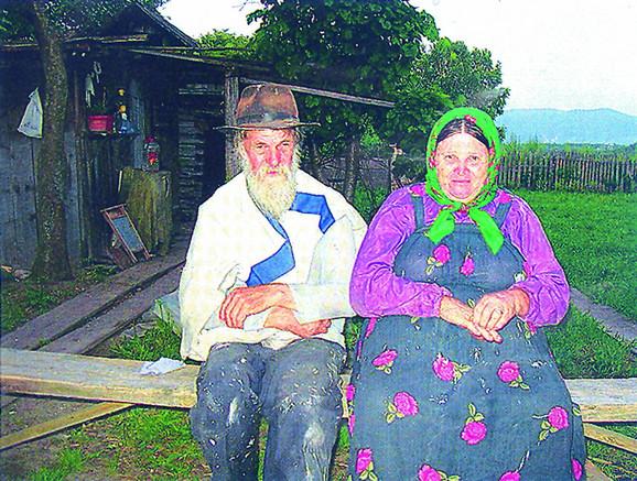 Fjodor i Tatjana Kilin, sedamdesetogodišnjaci koji i govore starinskim jezikom