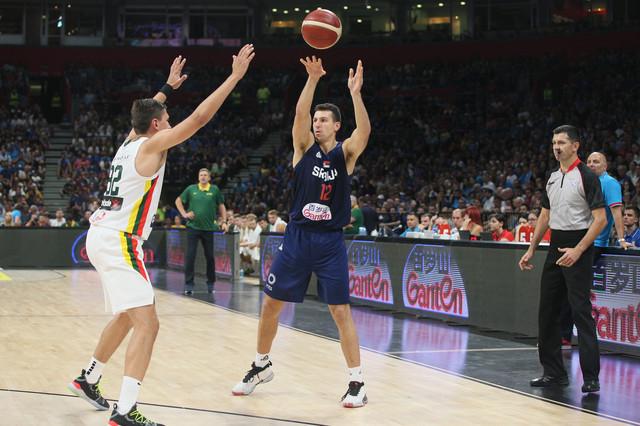 Dragan Milosavljević na utakmici protiv Litvanije