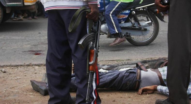7 thugs shot dead