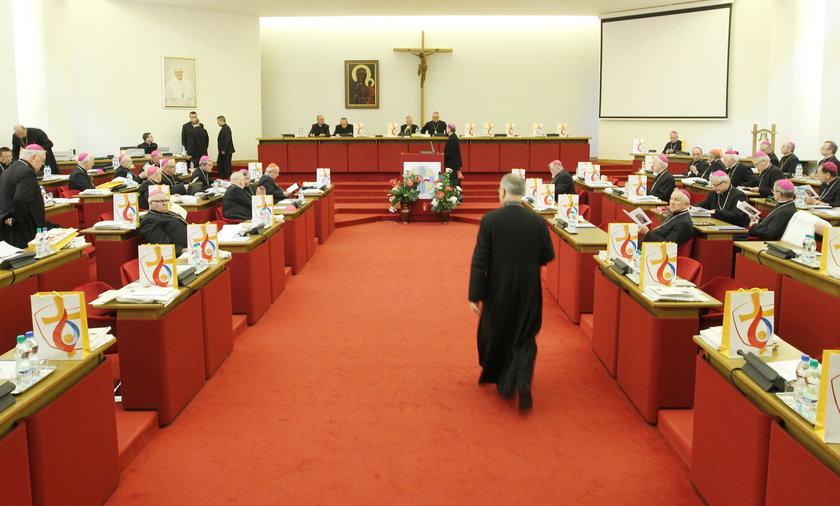Episkopat Polski ostrzega rodziców przed edukacją seksualną
