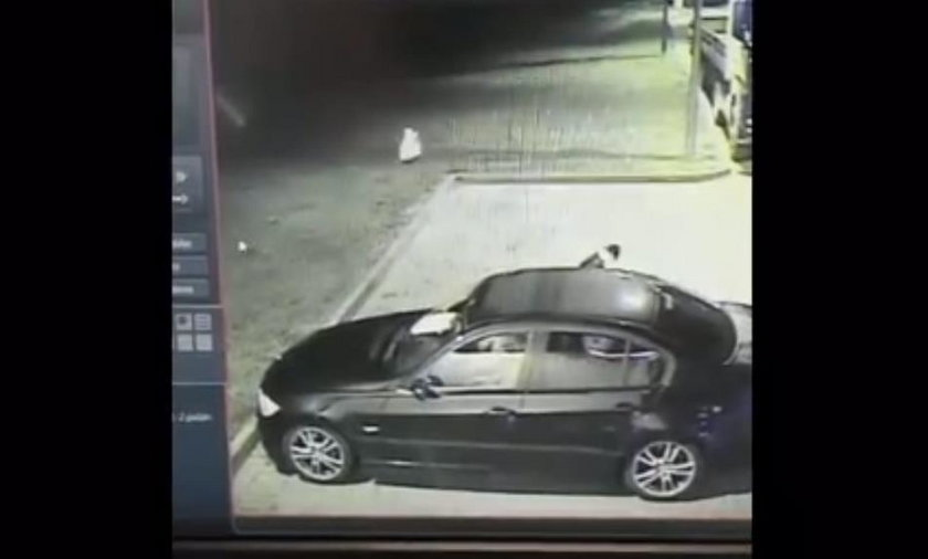 Wyrzucił z auta torbę, bo go uwierała. Nie uwierzysz, co było w środku