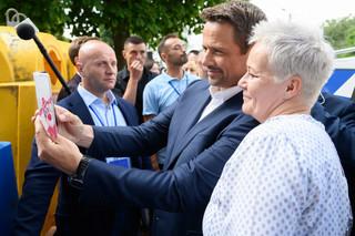 Wyborcy PO chcą, by partia zmieniła szyld