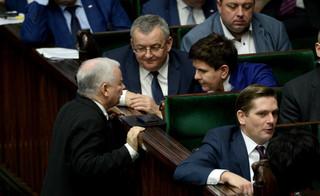 CBOS: 38 proc. Polaków popiera rząd, 47 proc. zadowolonych z premiera