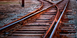 Tragedia na przejeździe kolejowym! Nie żyje dwóch nastolatków