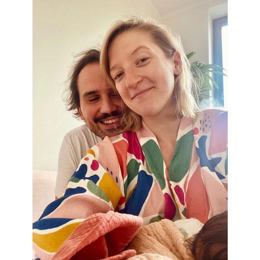 Lara Gessler z mężem i córką