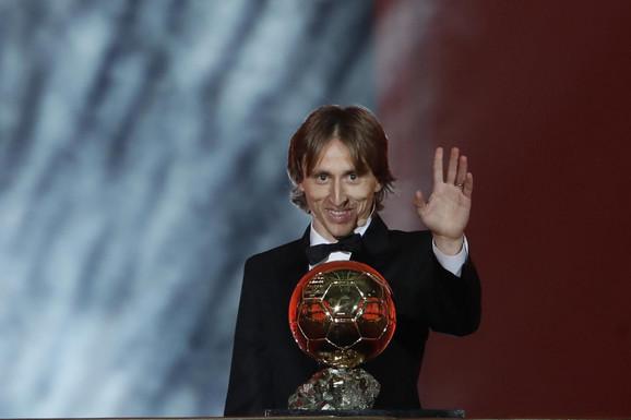 Luka Modrić je osvojio Zlatnu loptu za 2018. godinu