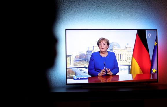 Kancelarka je u svoju retoriku unela dozu saosećajnosti - Merkel u obraćanju javnosti 18. marta
