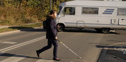 Aplikacja na telefonie pomaga niewidomym na pasach