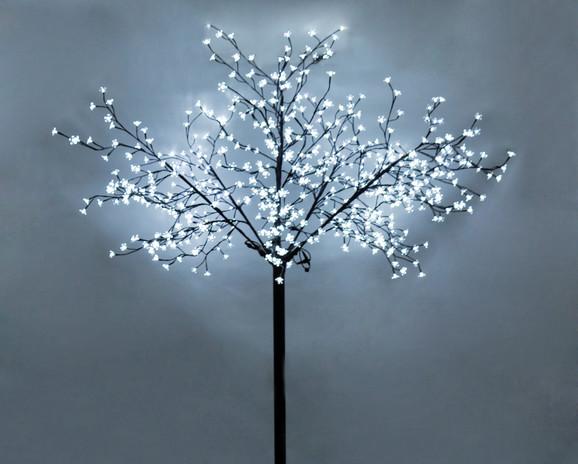LED svetleće drvo
