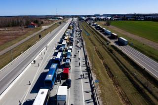 Zamykając granice, utrudniliśmy powrót do domu Estończykom, Litwinom i Łotyszom. Warszawa i Wilno rozwiązują kryzys graniczny
