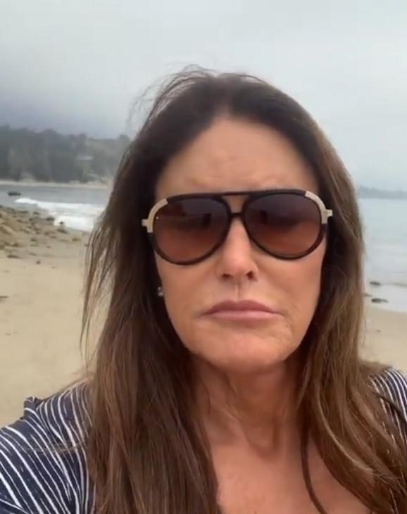 Kejtlin Džener, selfi na plaži
