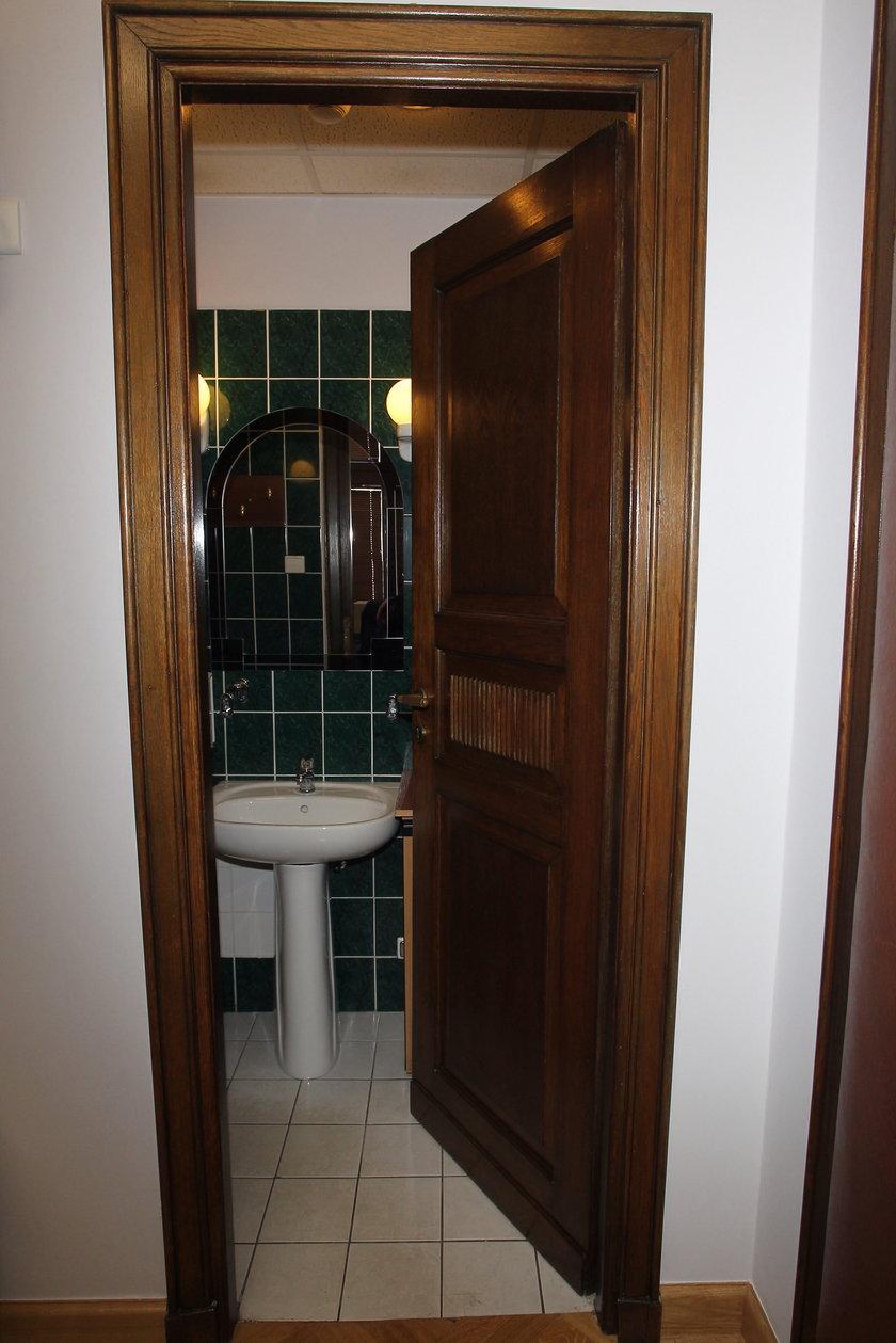 Toaleta niezgody
