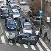 Svađa taksista i jednog vozača