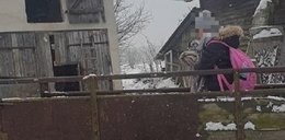 Brawurowa ucieczka dziadka przed policją. Na przyczepie ciągnika wiózł 8-letnią wnuczkę