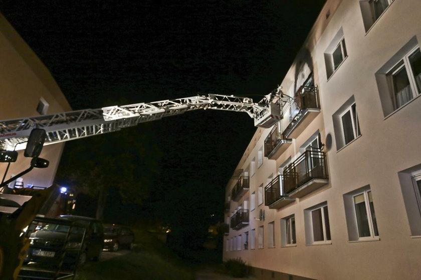 """Uciekła przed pożarem na balkon. """"Prawie spłonęła żywcem"""""""