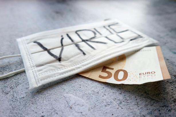 Po pierwsze, większa elastyczność dla beneficjentów, którzy będą mogli dokończyć rozpoczęte projekty z maksymalną możliwą efektywnością i bez strat finansowych. Po drugie, dostępne fundusze zostaną ukierunkowane na zwalczanie koronawirusa i ograniczanie jego niepożądanych skutków dla gospodarki - powiedziała Małgorzata Jarosińska-Jedynak