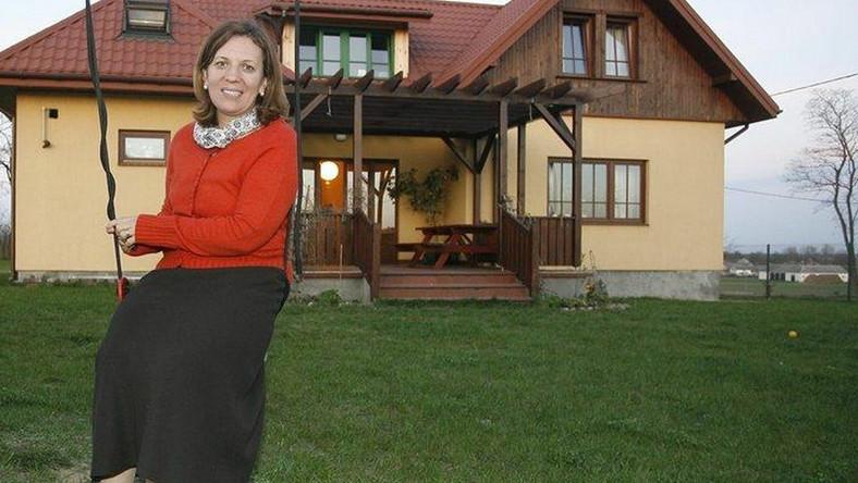 Elżbieta Jakubiak ma dwa domy