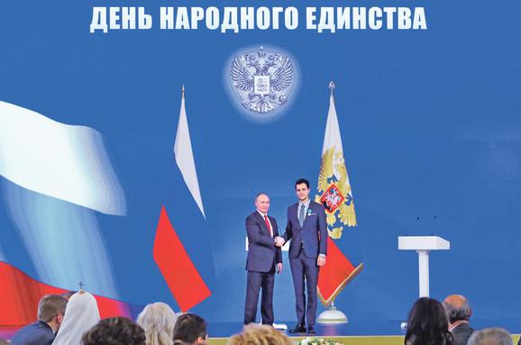 Biković je značajnu karijeru izgradio i u Rusiji, za šta je dobio odlikovanje od Vladimira Putina